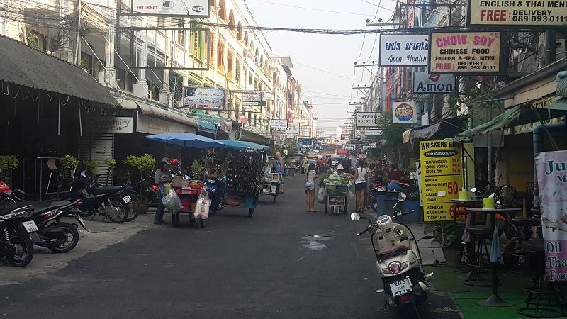 View along Soi Chaiapoon, Pattaya, Thailand