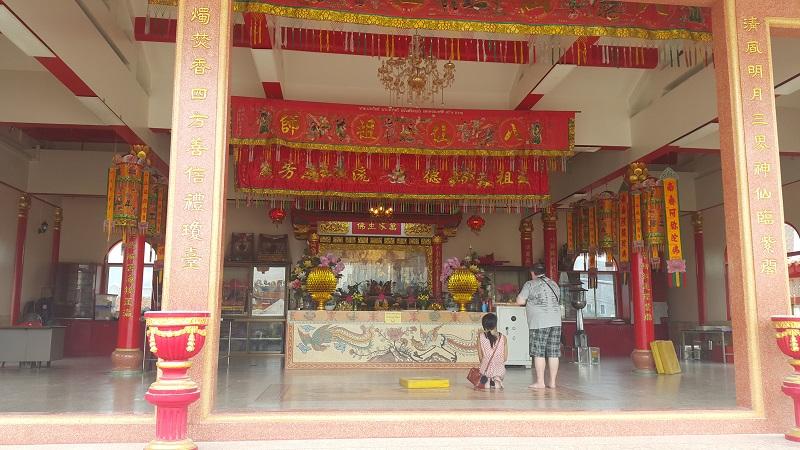 Sawang Boriboon HQ and Temple.