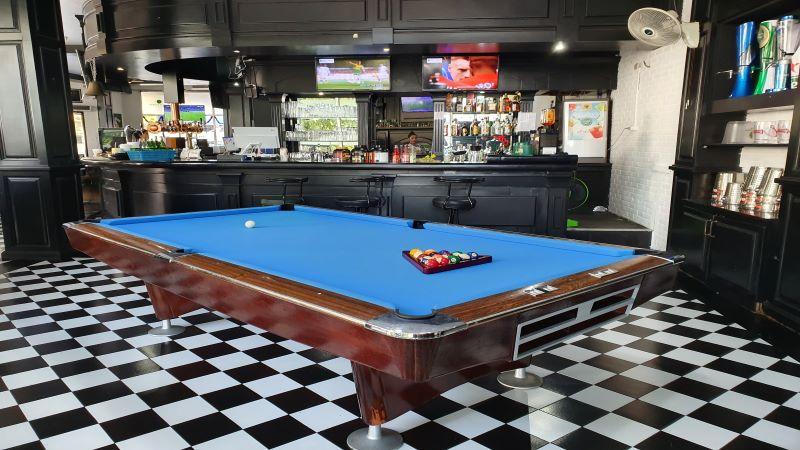 Pool Table at the Robin Hood Tavern, Pattaya, Thailand.